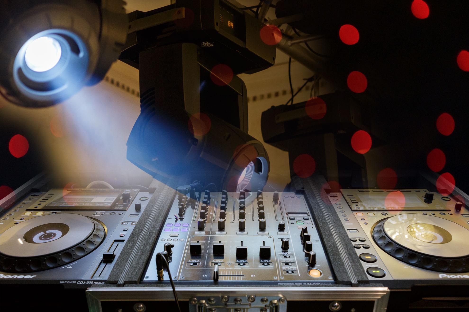 DJ Nunta Bucuresti, DJ Botez, DJ Evenimente, Vivel Sound And Music img slider-home